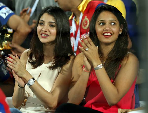 10 gorgeous women who lit up the IPL-8