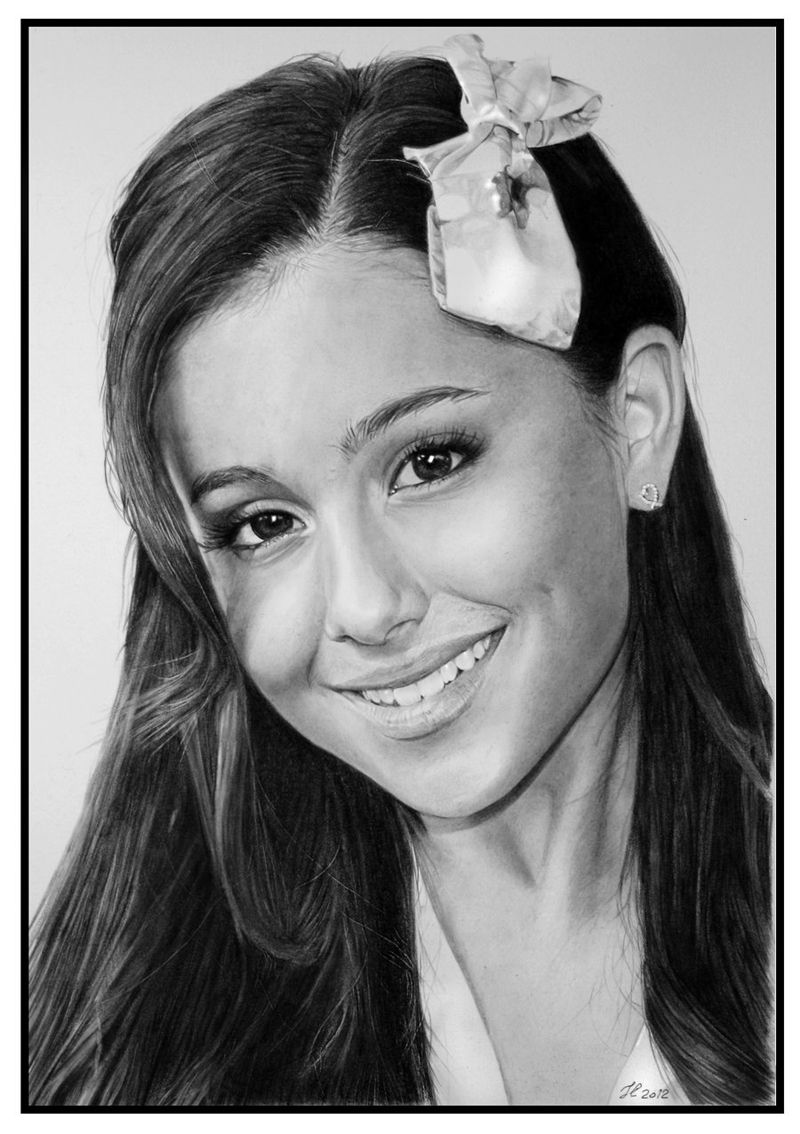 Hyper-Realistic-Ariana-Grande-Pencil-Drawing-Franco-Clooney