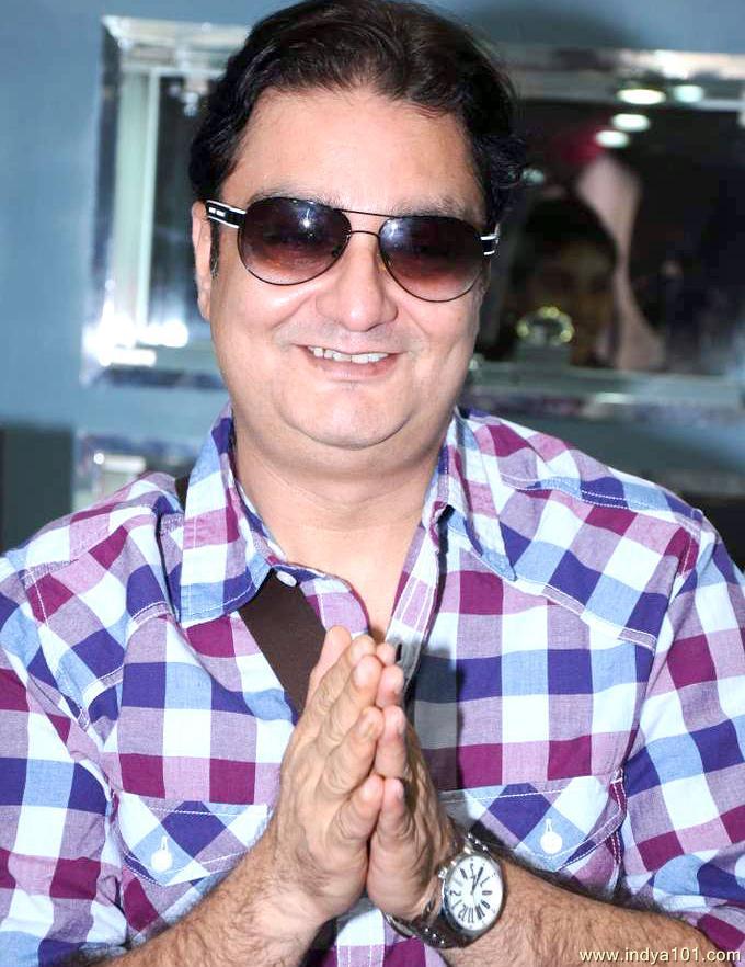 Vinay_Pathak_4_buqjx_Indya101(dot)com