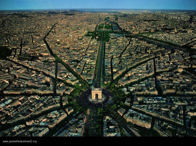 magnificent_birds_eye_view_photos_of_paris_640_02